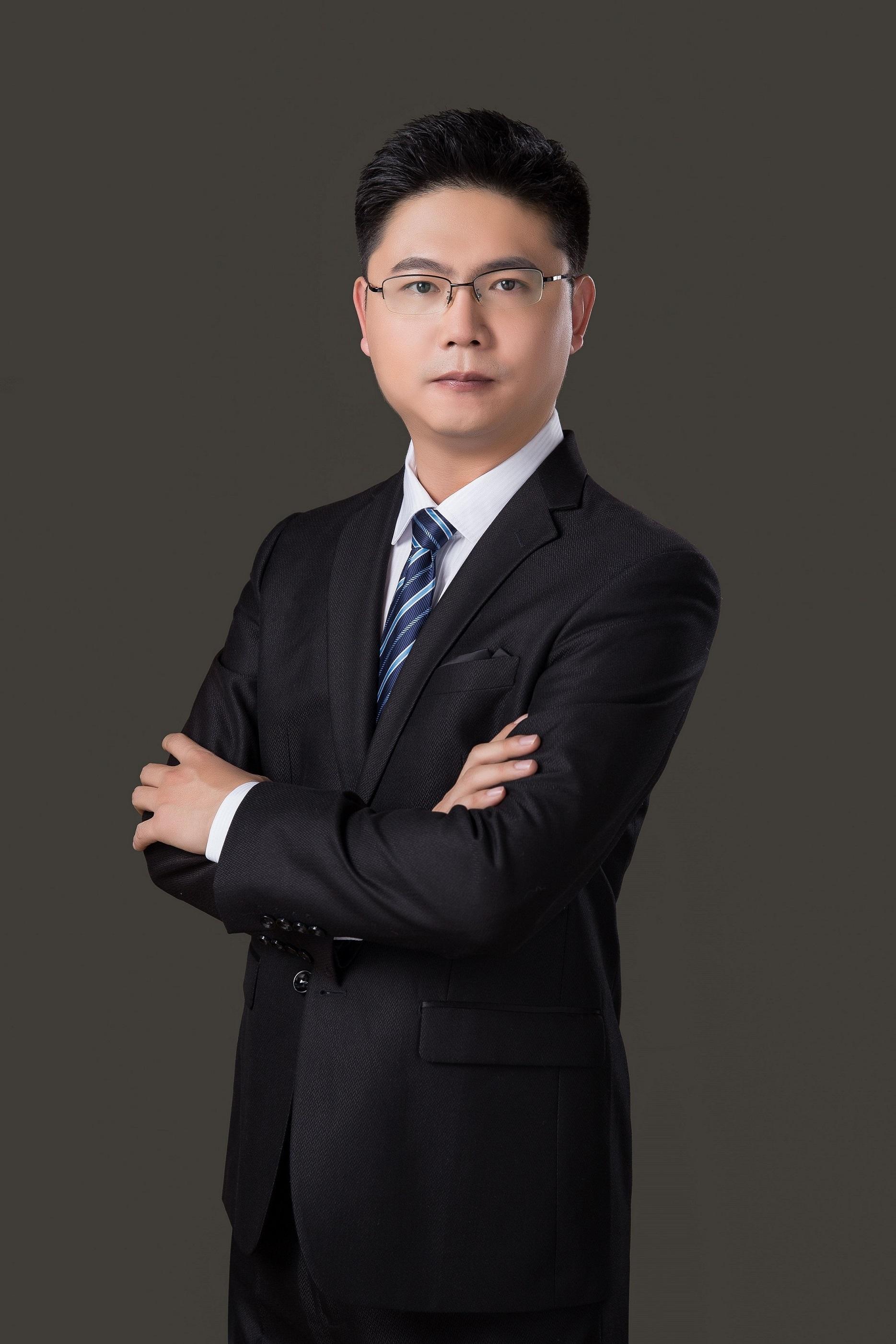 title='张晓伟律师'