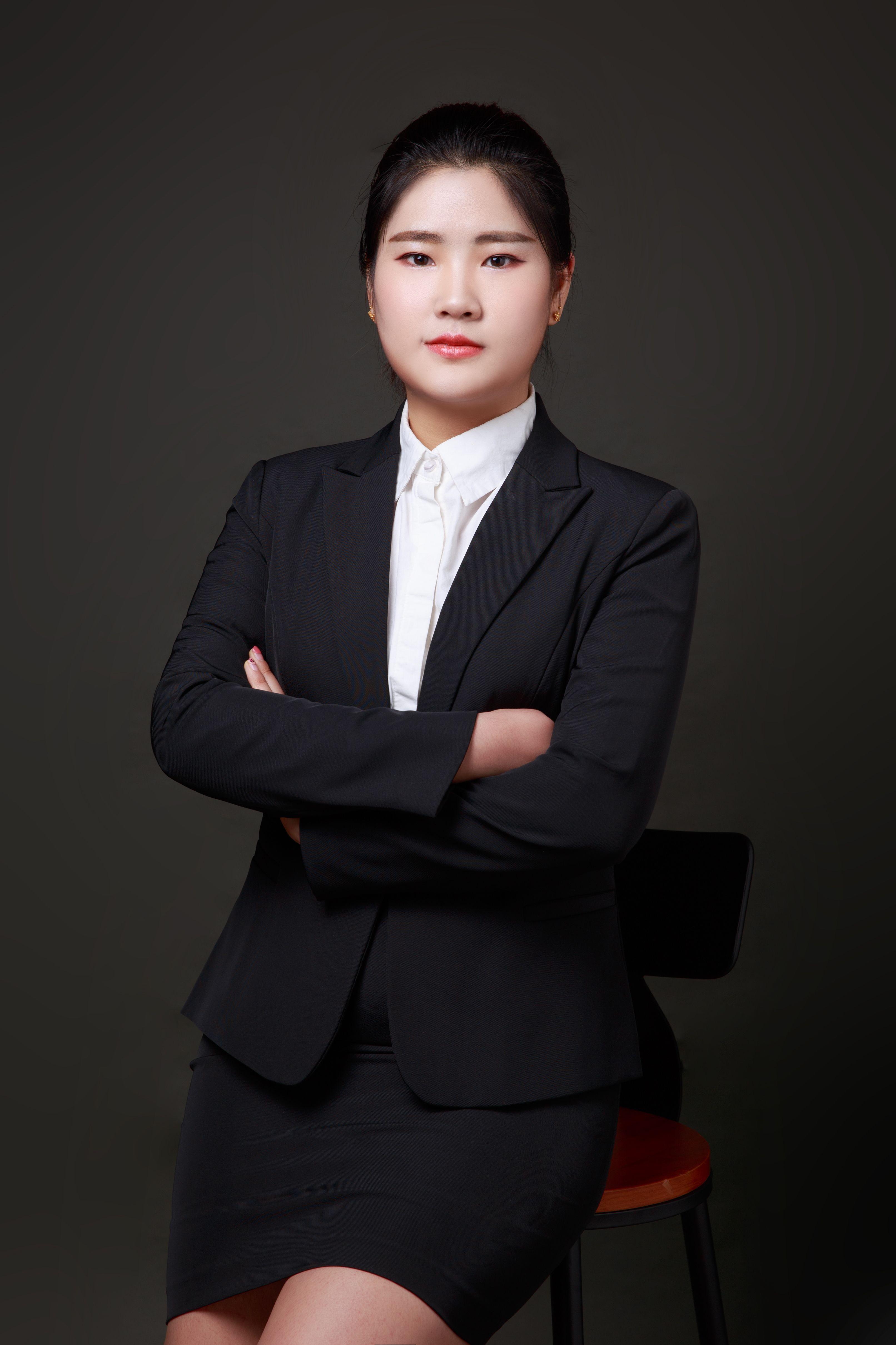 title='田石琰 实习律师'